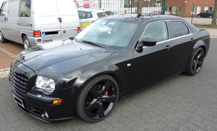 Chrysler  Touring Black