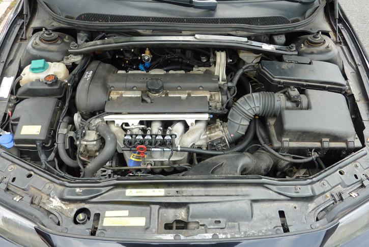 Autogas Einbau/Umrüstung in Bremen: Volvo V70 p26 2.4 2003 - Gasanlage Prins VSI